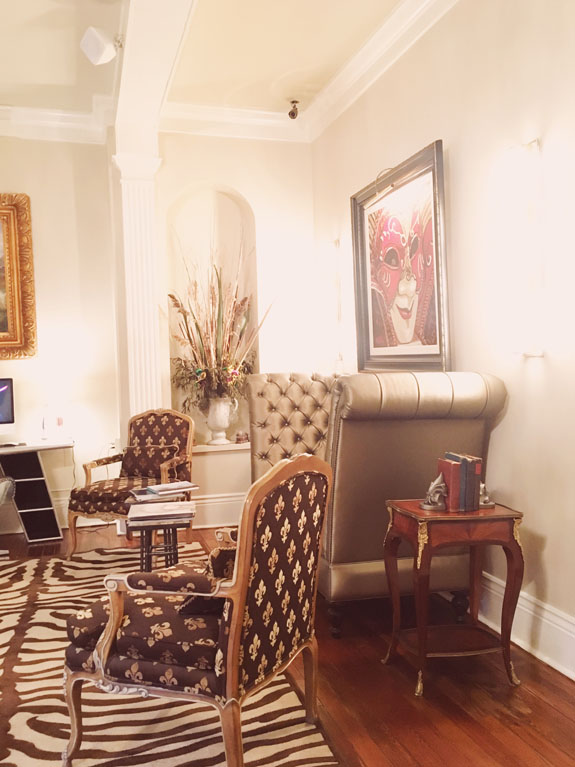 Where to Stay in New Orleans Hotel Maison de Ville parlo